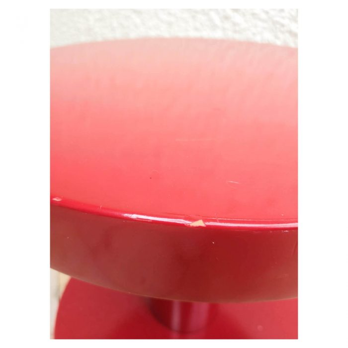 Two Design Lovers Moooi red side table top edge knick