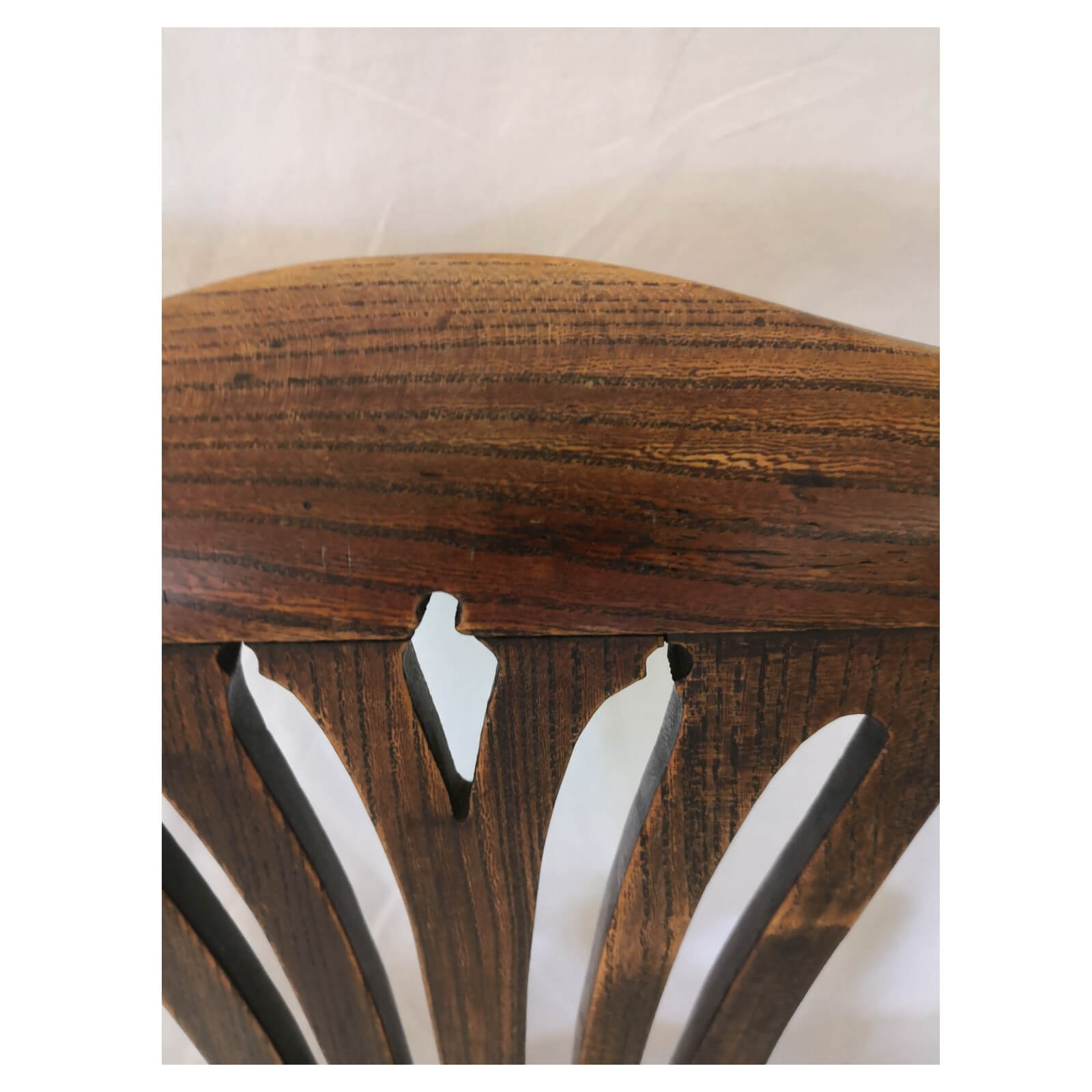 two-design-lovers-Antique-Georgian-dining-chair-detail