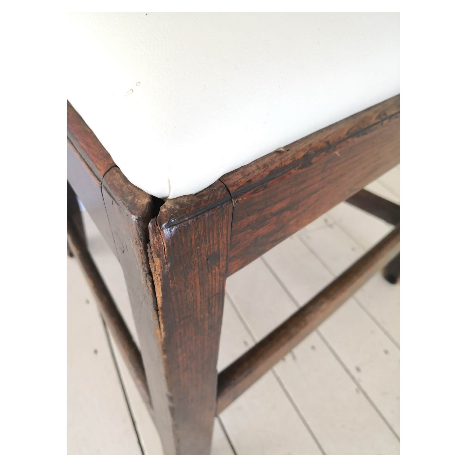 two-design-lovers-Antique-Georgian-dining-chair-defect