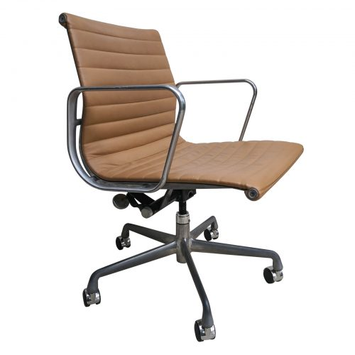 Two Design Lovers Eames aluminium group caramel management chair front angle