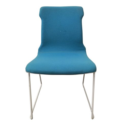 Two Design Lovers Koskela blue Konverse chair white legs