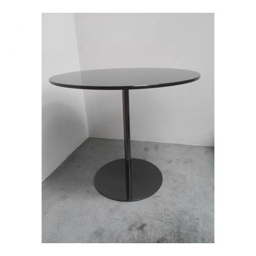 Two Design Lovers Minotti smoked glass side table side view