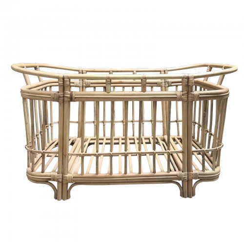 Two Design Lovers cane cot side front