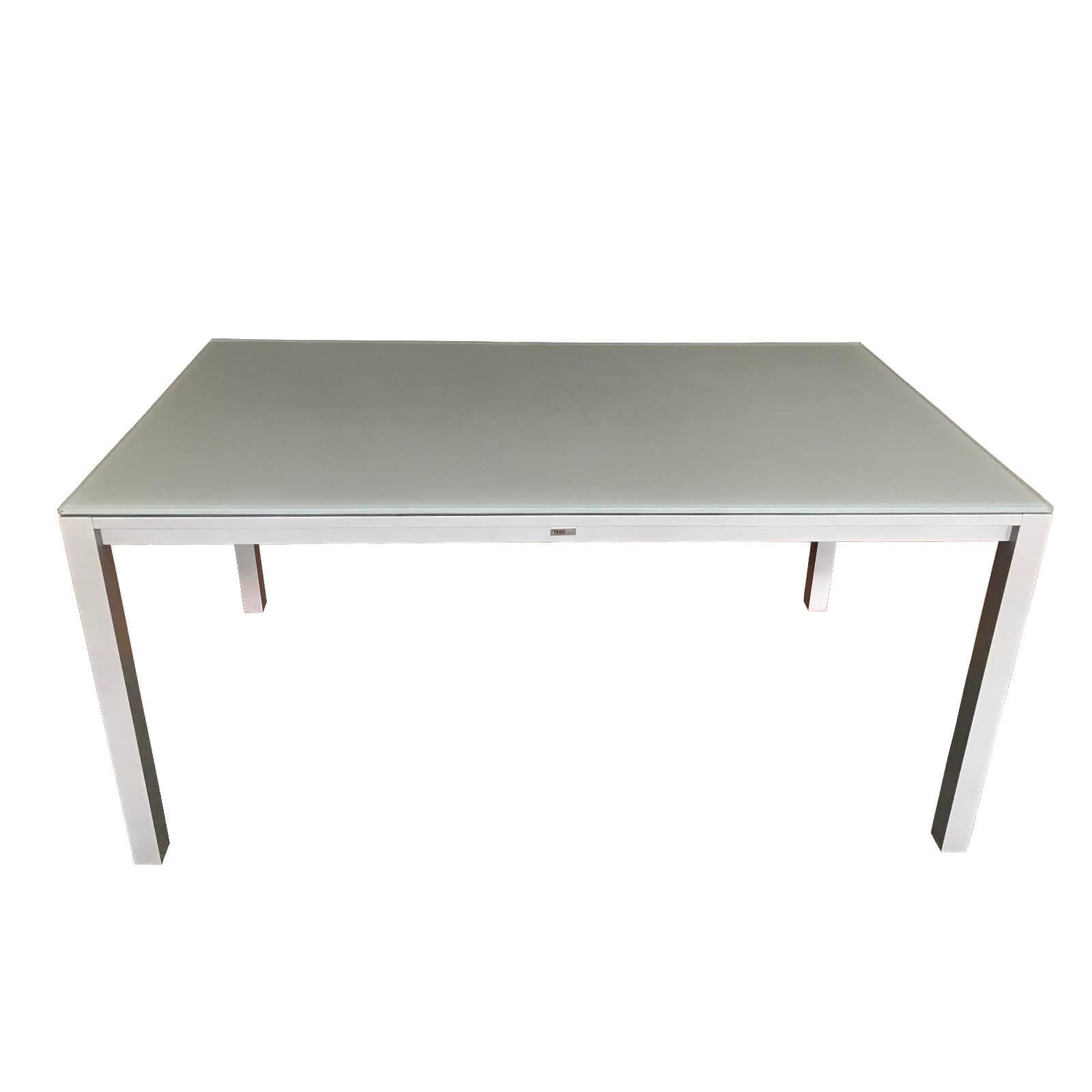 Two Design Lovers Tribu Versus Outdoor table