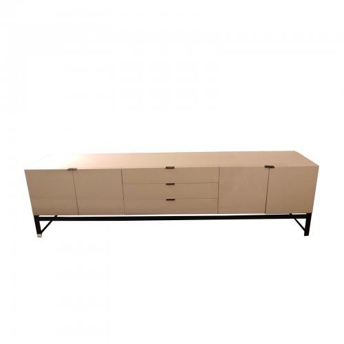 Two Design Lovers Minotti Harvey sideboard