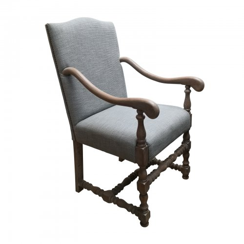 Two Design Lovers Carver Chair