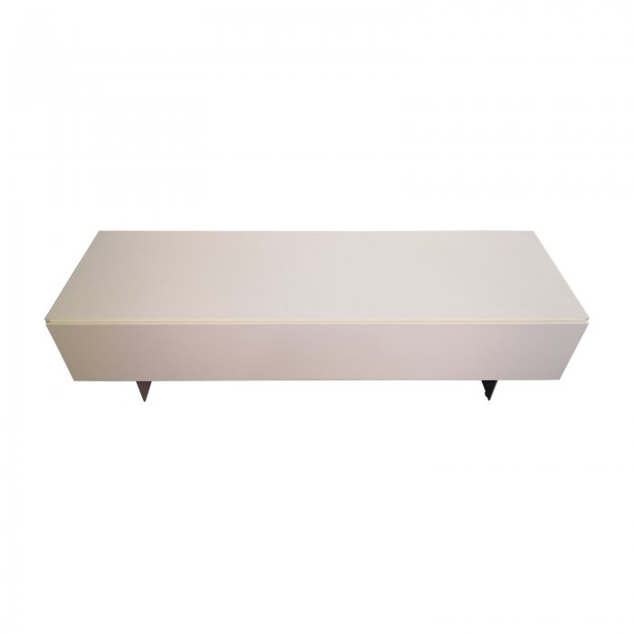 Two Design Lovers Bo Concept Lugano low cabinet white