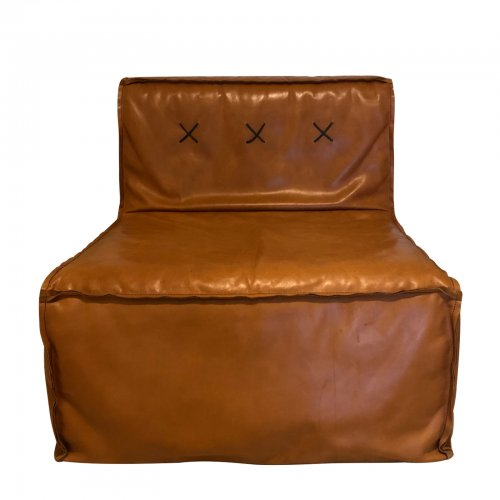 Two Design Lovers Koskela leather quadrant sofa front