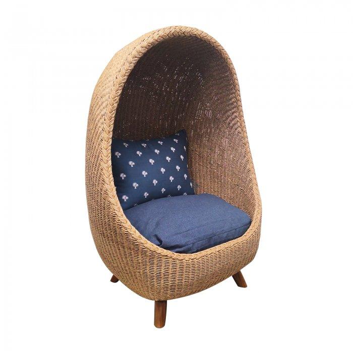 Two Design Lovers outdoor furniture Osier Belle meditation pod