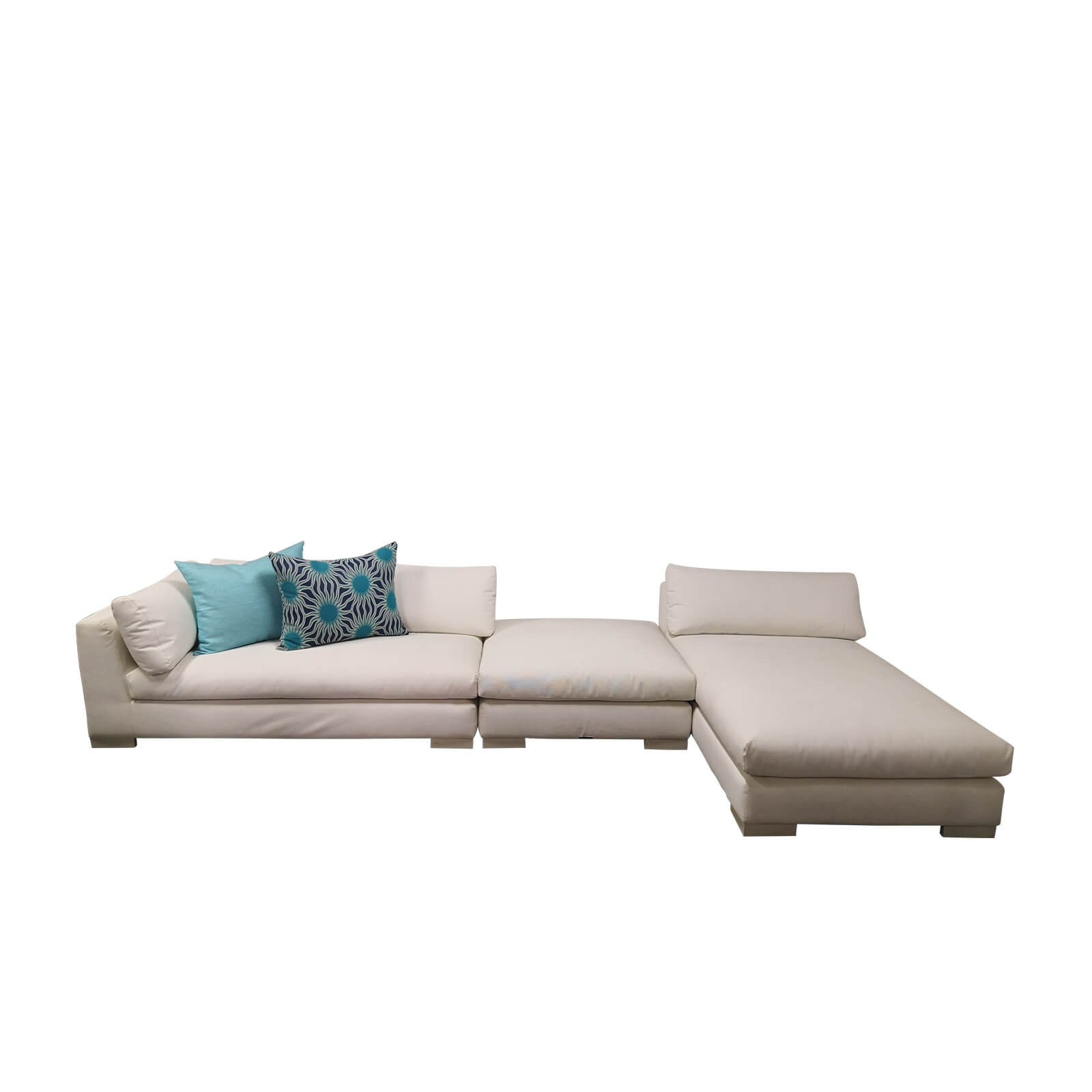 Two Design Lovers Outdoor furniture Osier Belle Leisuretex white sofa set with ottoman