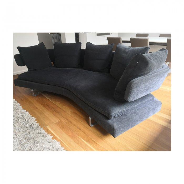 Two Design Lovers B&B Italia Arne sofa anthracite side