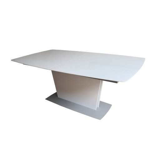 Bo Concept Milano dining table