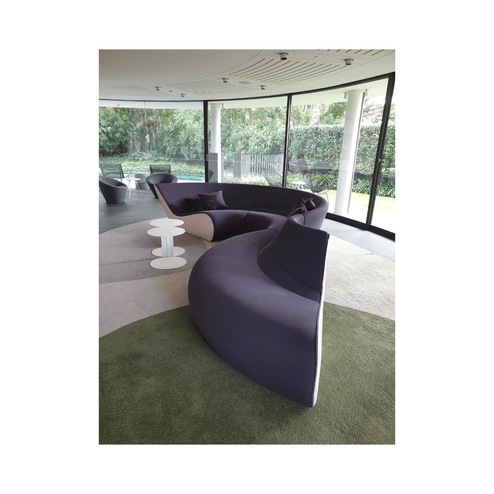Two Design Lovers Walter Knoll Circle Sofa 1