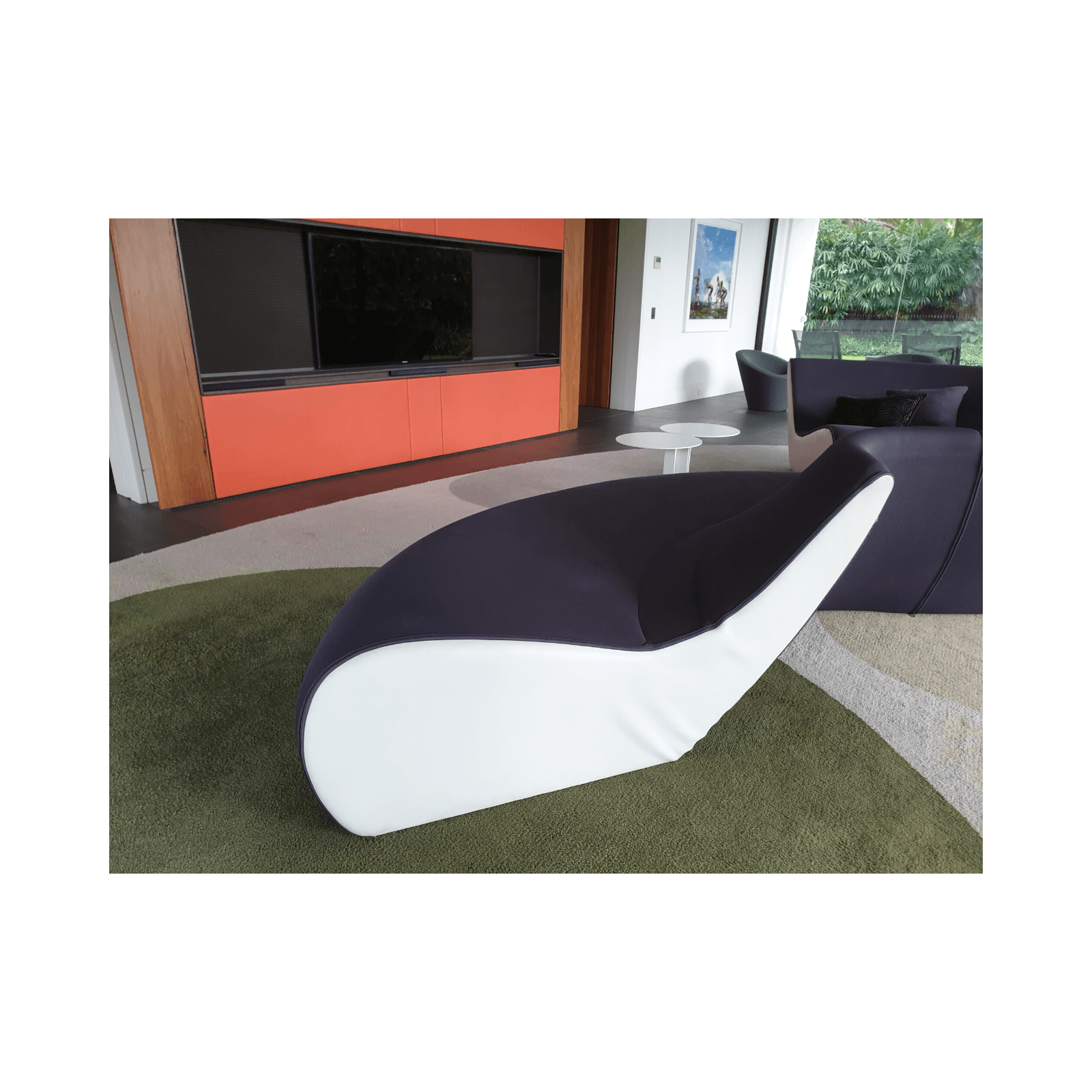 Two Design Lovers Walter Knoll Circle Sofa 5