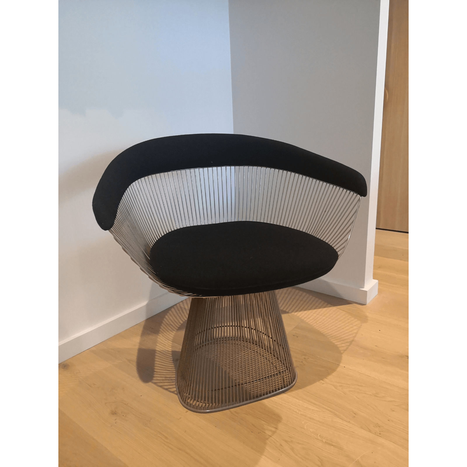 Two Design Lovers Platner Dining Chair & Table 2