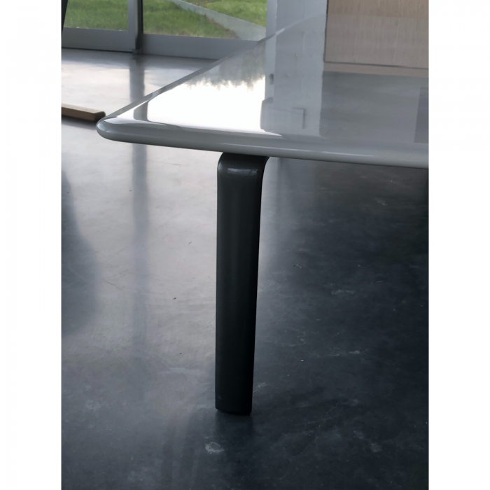 Two Design Lovers Minotti Perry coffee table 2