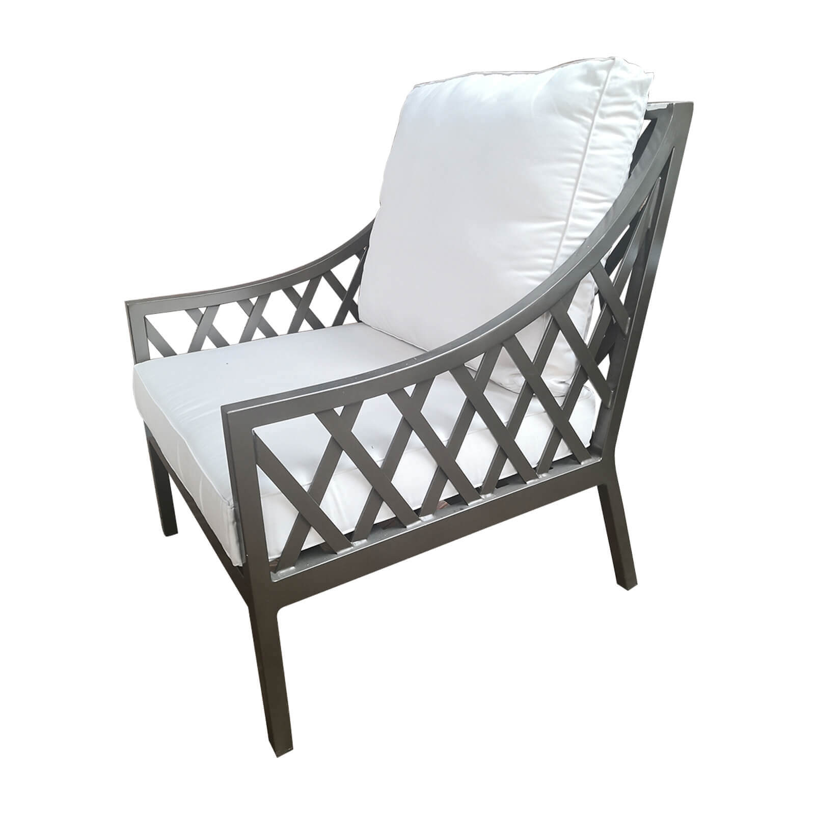 Two Design Lovers classic outdoor armchair