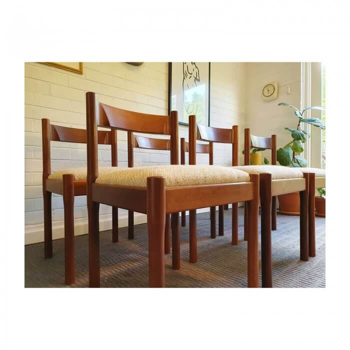Two Design Lovers Carousel midcentury dining chairs