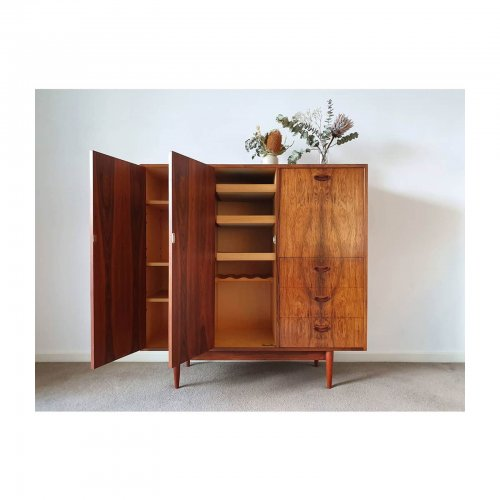 Two Design Lovers Carousel midcentury Chiswell drinks cabinet
