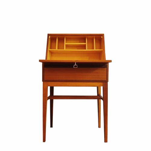 Two Design Lovers Carousel vintage teak desk