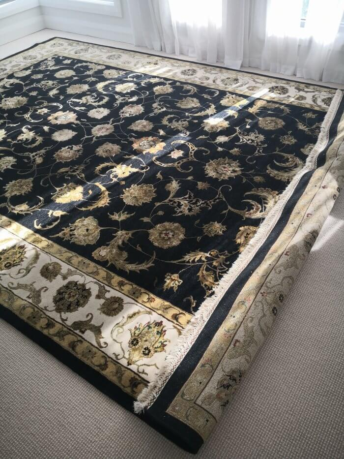 Hali Silk Rose rug 370