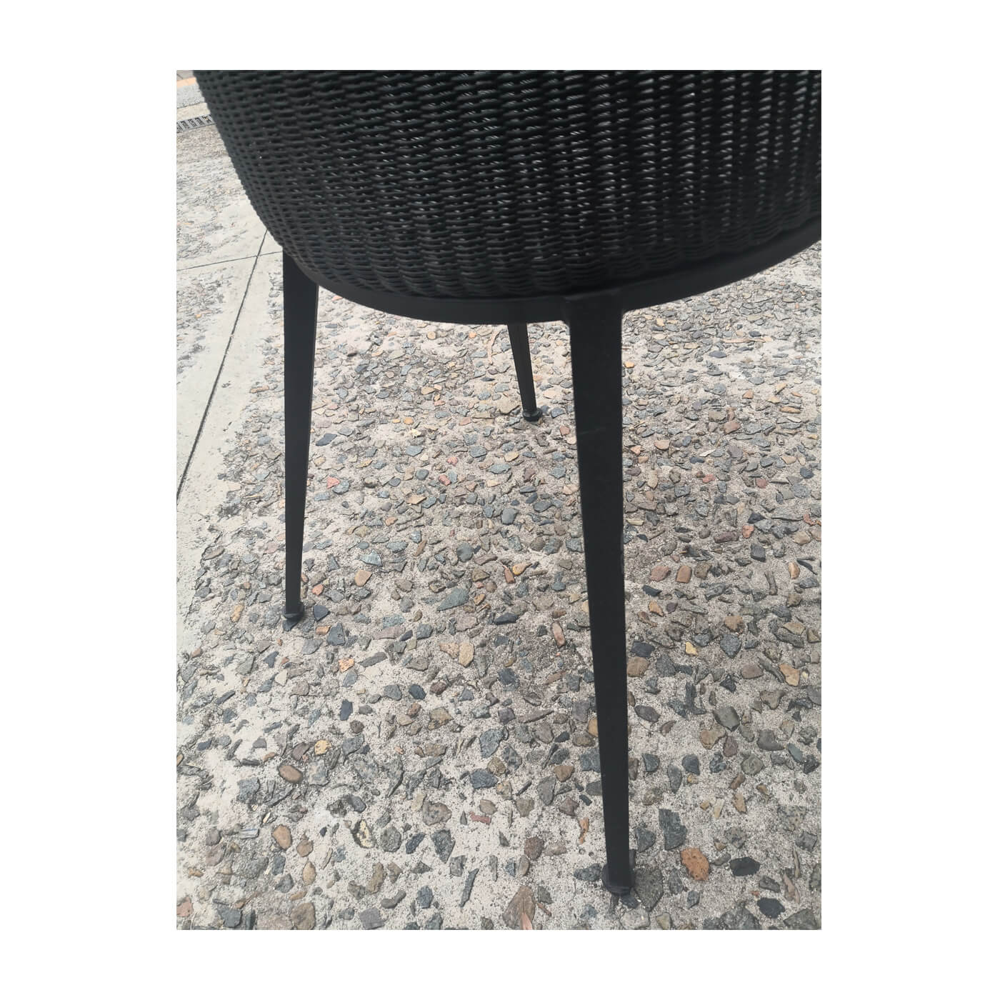 Vincent Sheppard Jack dining chairs. Floorstock on sale on Two Design Lovers