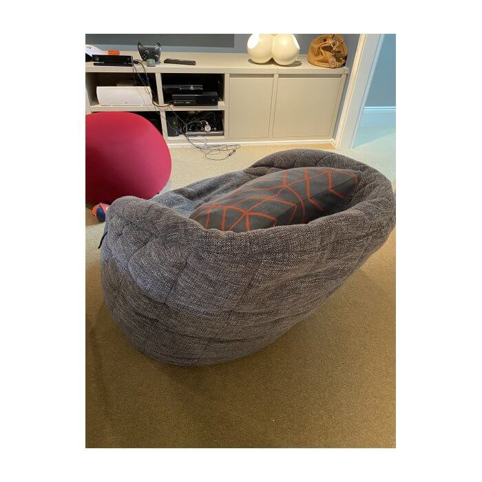 Two-Design-Lovers-Ambient-Lounge-Butterfly-Beanbags-Side-Table