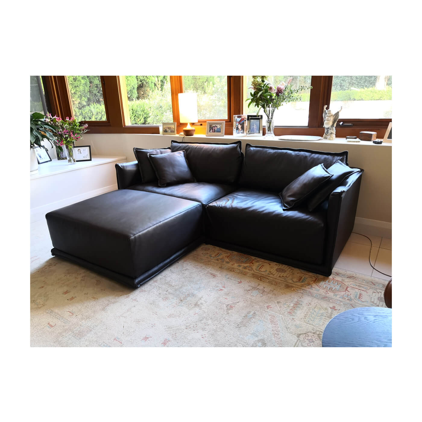 SP01 Max Brown leather sofa